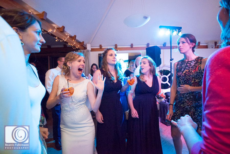 Cocktails and dancing at Madingley Hall wedding