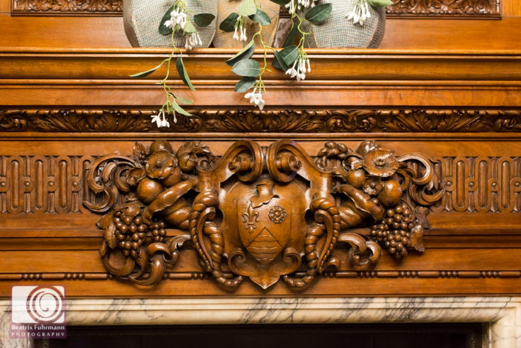 Wooden detail on the mantelpiece