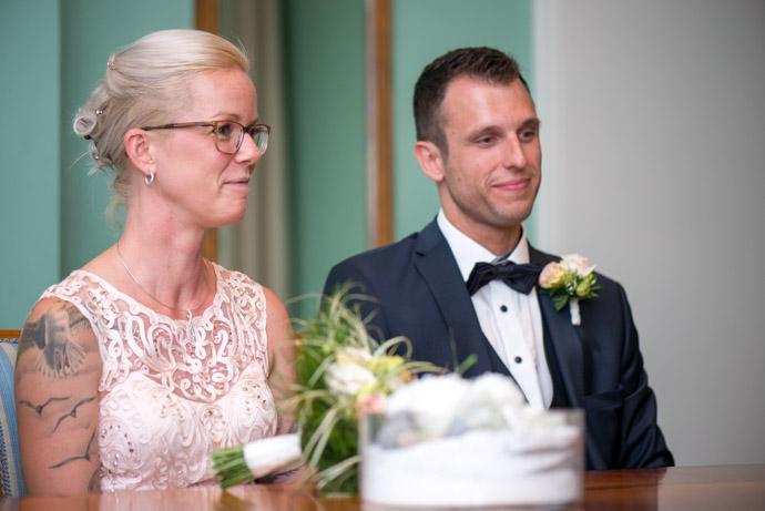 Das Hochzeitspaar während der Trauung
